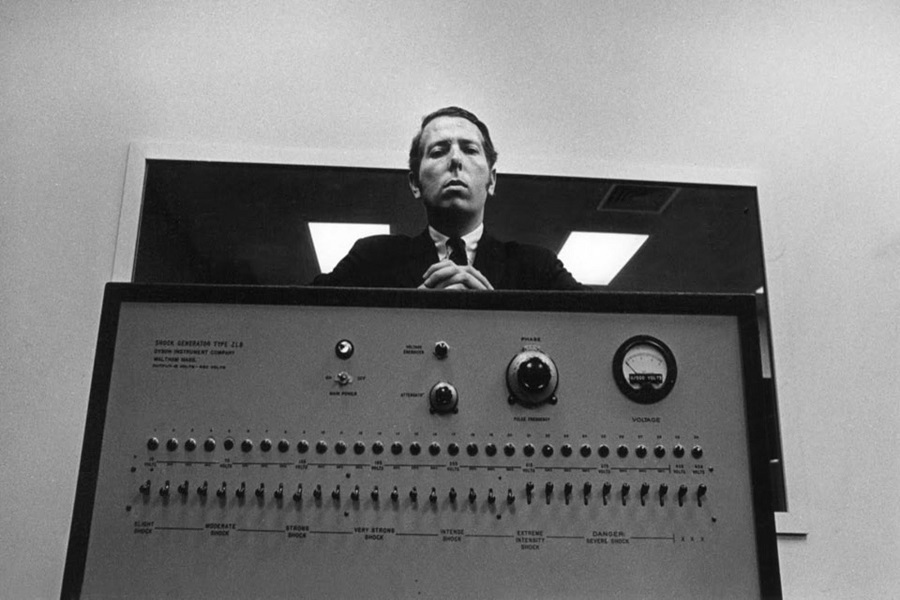 Otorite ve Vicdan Karmaşası: Milgram Deneyi