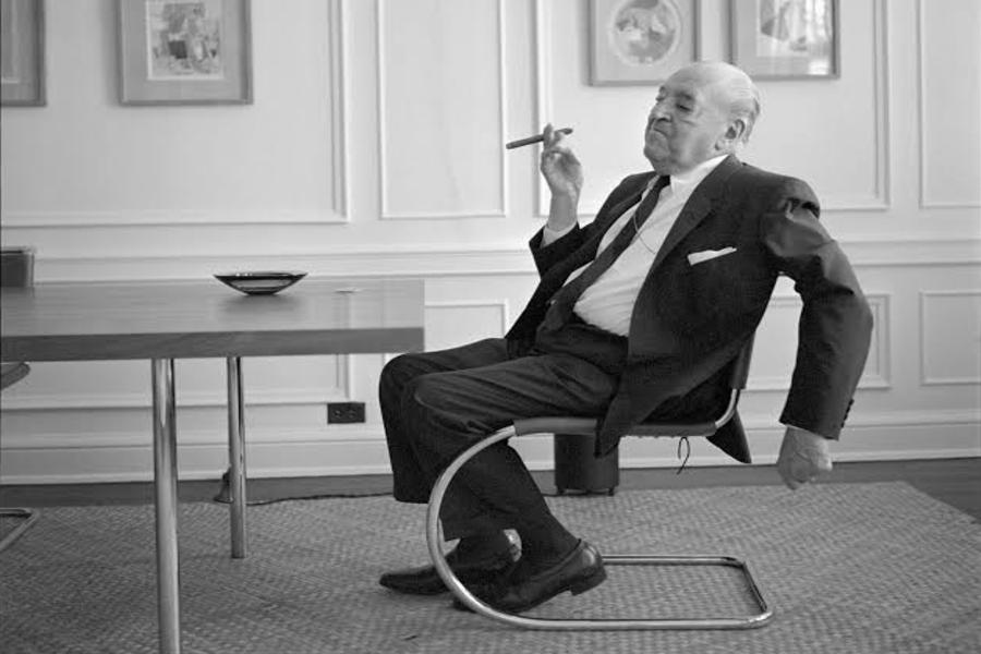 Azda Çoku Görebilen Mimar: Mies van der Rohe