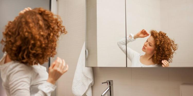4 Adımda Kıvırcık Saçlar İçin Bakım Rutini