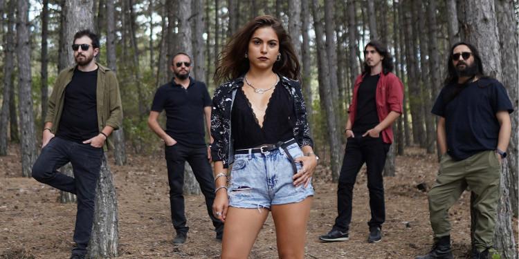 Şarkılarıyla Bize Dokunan Grup Geceyi Kurtar İle Yaptığımız Röportaj