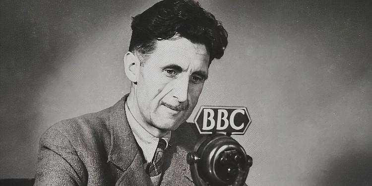 """George Orwell'İn Denemeciliğini Ortaya Koyduğu Kitap: """"Kitaplar Ve Sigaralar"""""""