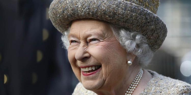 İşte Karşınızda Kürksüz Kraliçe!
