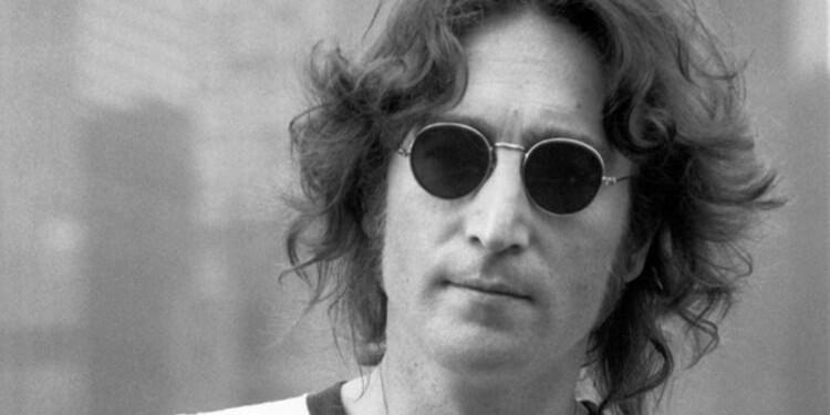 John Lennon'ın Yayımlanmamış Ses Kaydının Olduğu Kaset Açık Artırmada Satıldı