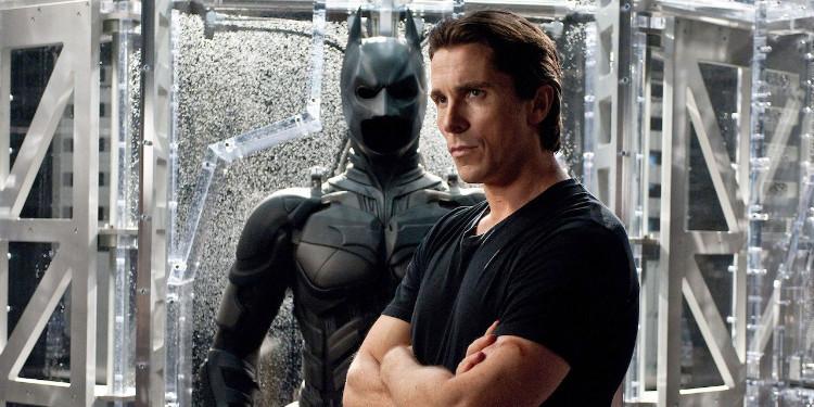 The Dark Knight Trilogy: Bruce Wayne ve Karakter Gelişimi
