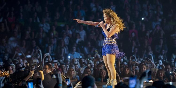 Ünlülerin Konser Stillerine Ne Kadar Hakimsin?